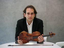 Giovanni Guzzo with Stradivarius