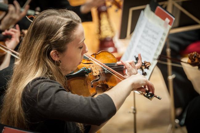 Caroline Pether, violin